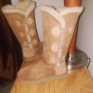 Ugg Bailey Button tall Chestnut boots